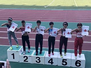 d4b30d4217 6月13日(木)~18日(火)にかけて鹿児島で開催された南九州高校総体陸上で,本校駅伝部から2名の生徒が入賞を果たしました。